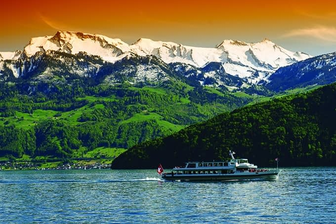 Lake_Lucerne_Switzerland