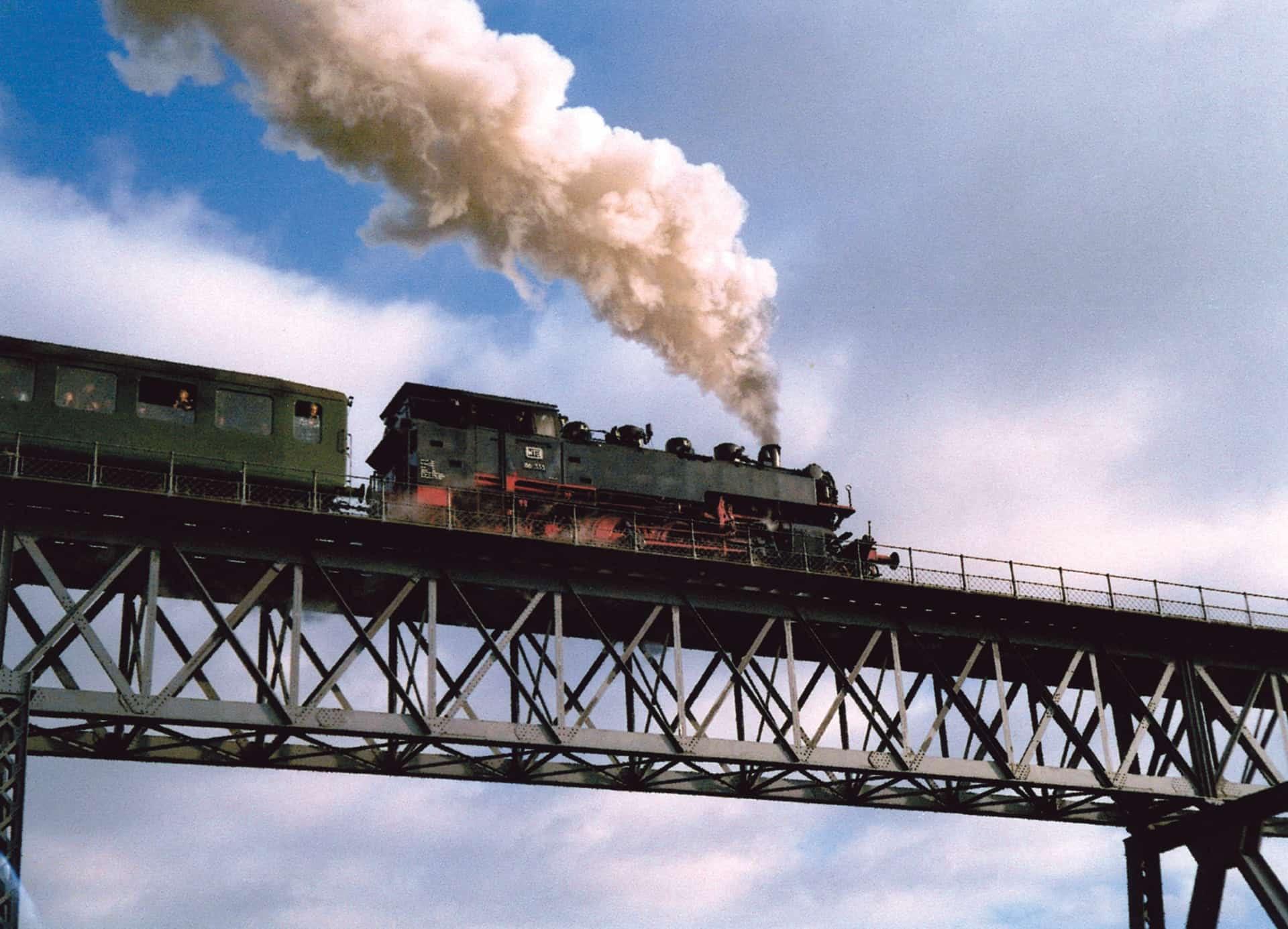 Black_Forest_Steam_Train_Bridge