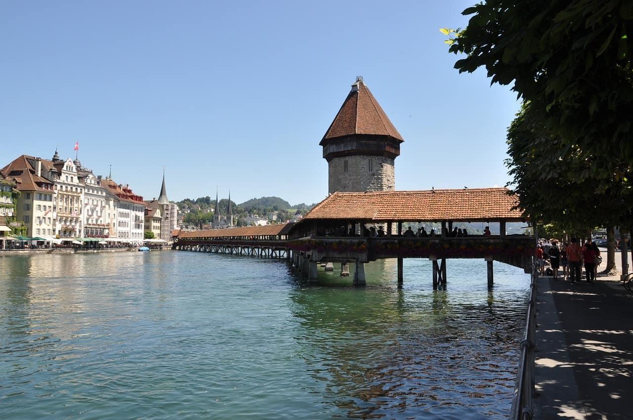 Lucerne_Chapel_Bridge